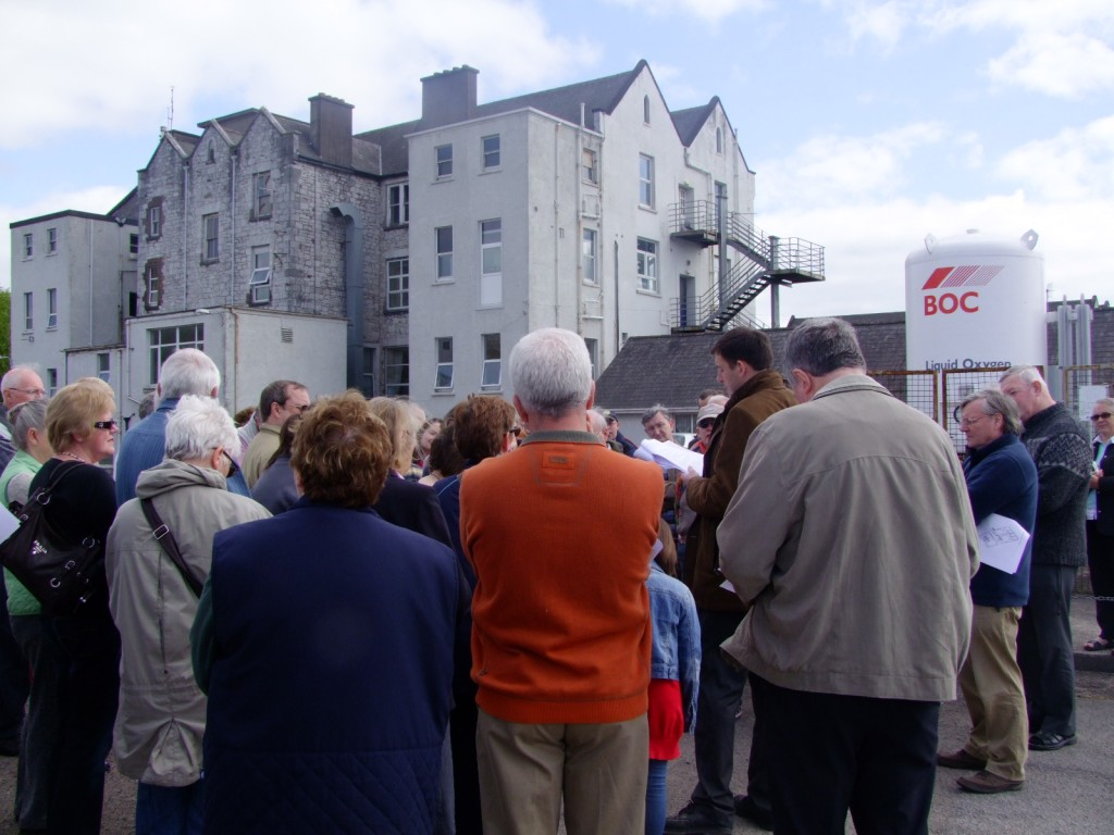 Historical walking tour with Cllr Kieran McCarthy, St. Finbarr's Hospital, Cork, 16 April 2011