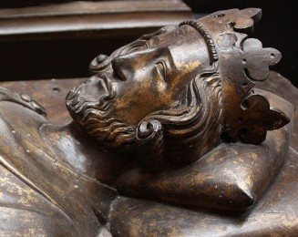 780b. Effigy on tomb of Henry III in Westminster Abbey