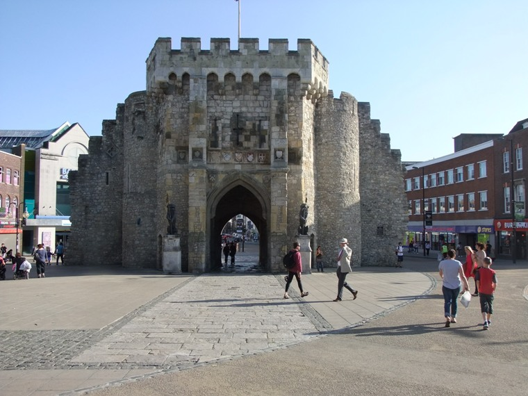 779b. Remains of one of the Medieval entrance gates, Southampton