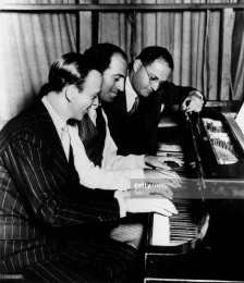 840b. George Gershwin at piano with Ira Gershwin and Fred Astaire (2)