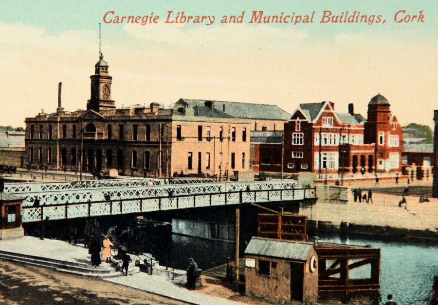 915a. Postcard of Cork Carnegie Library adjacent Cork City Hall, c.1900