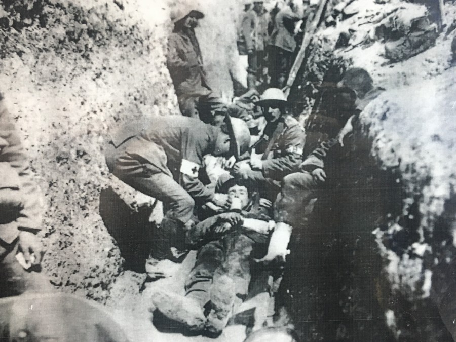 968b. Irish Soldiers in the trenches on the western front of World War I