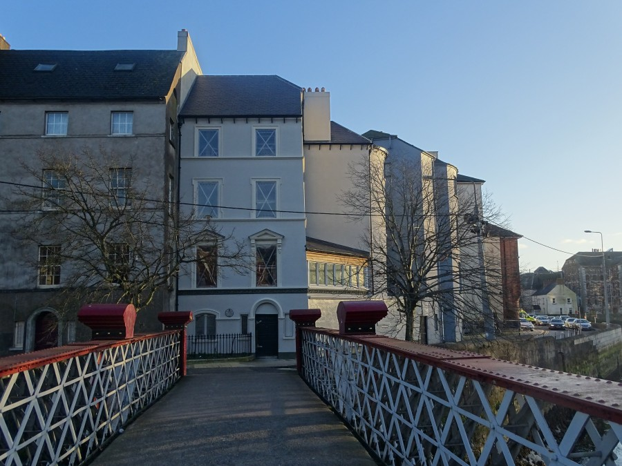 975a. Recently renovated house, formerly a residence of mathematician George Boole on Batchelor's Quay, present day