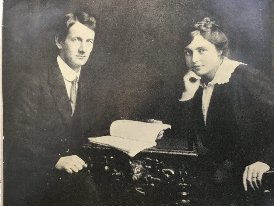 1065a. Terence MacSwiney and his wife Muriel Murphy, c.1917 (source: Cork City Library).