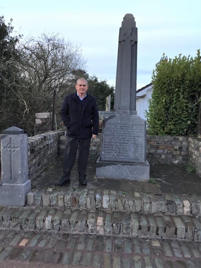 1092a.  Pat O'Regan, Vice Chair of Clogheen/ Kerry Pike Community Association, with the Ballycannon Monument, March 2021 (picture: Jim O'Mahony).