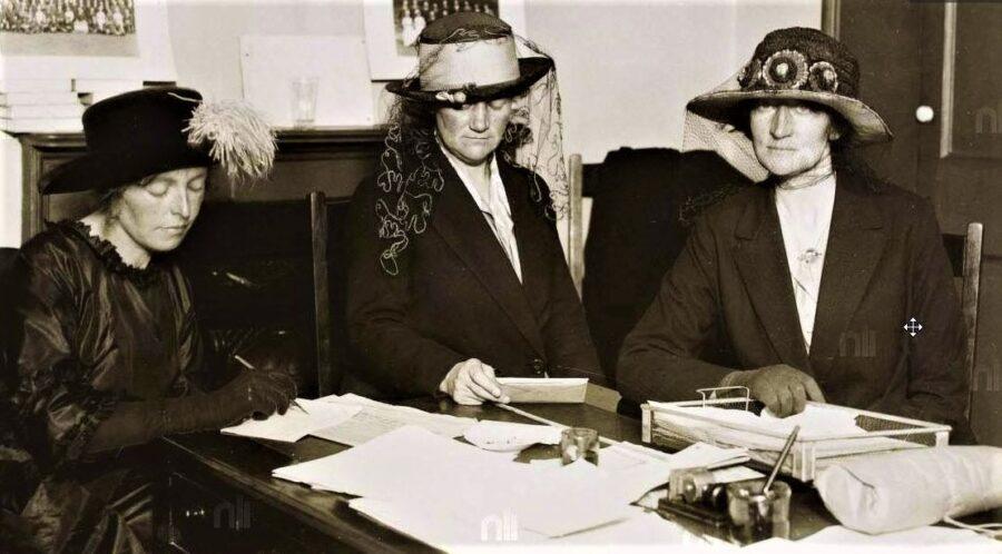 1114a. Muriel MacSwiney, Mary McSwiney & Annie MacSwiney, late 1920 (source: National Library of Ireland).